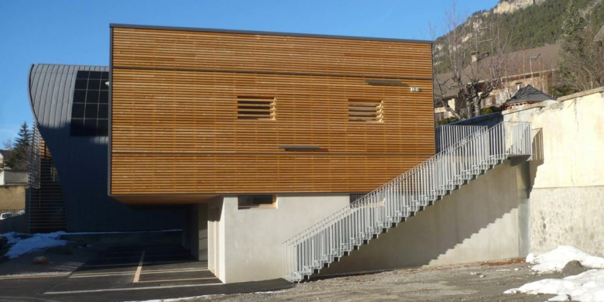 construction briancon mur ossature bois bardage meleze amc
